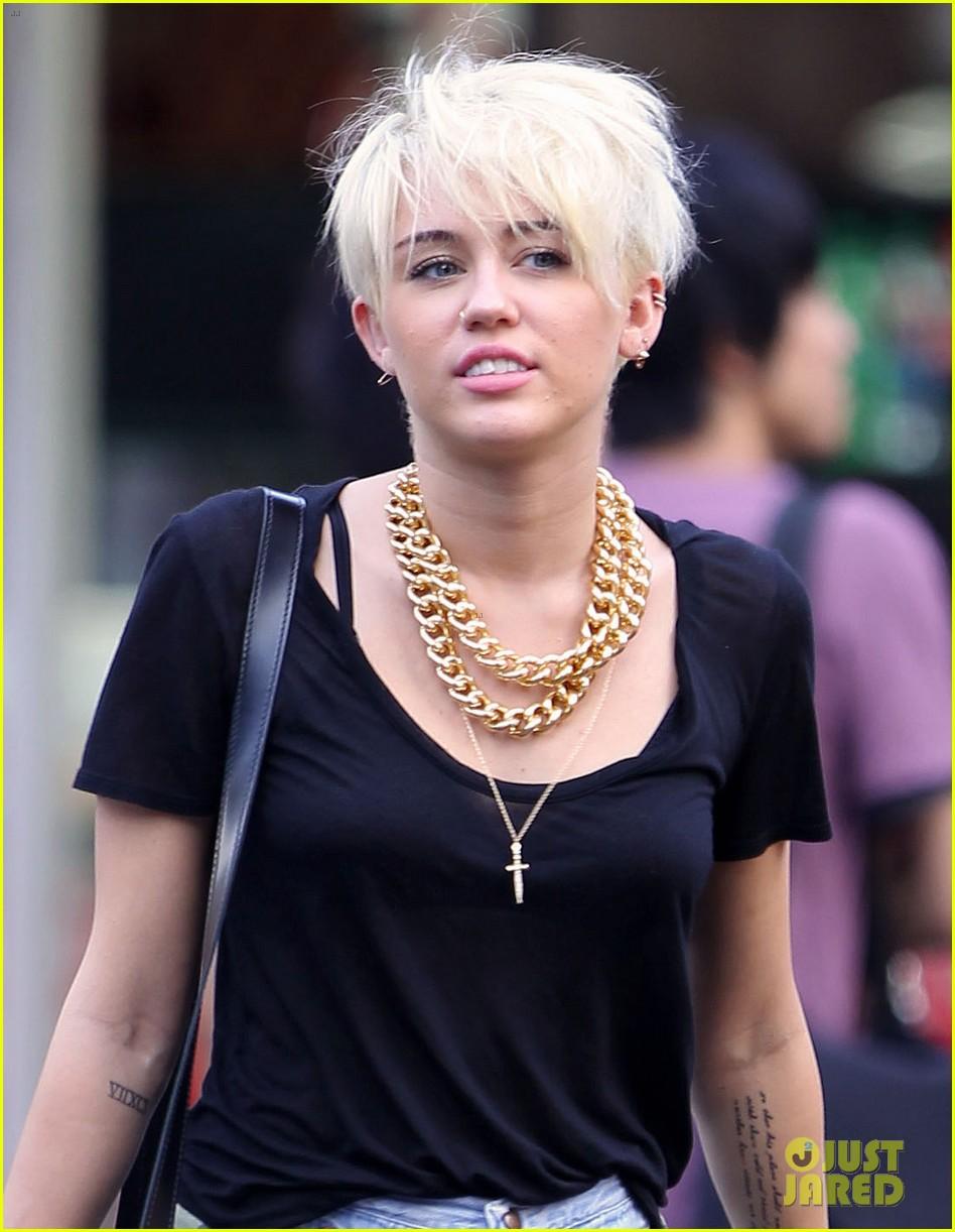 Miley Cyrus Claims Satan Is A Nice Guy Hes Misunderstood