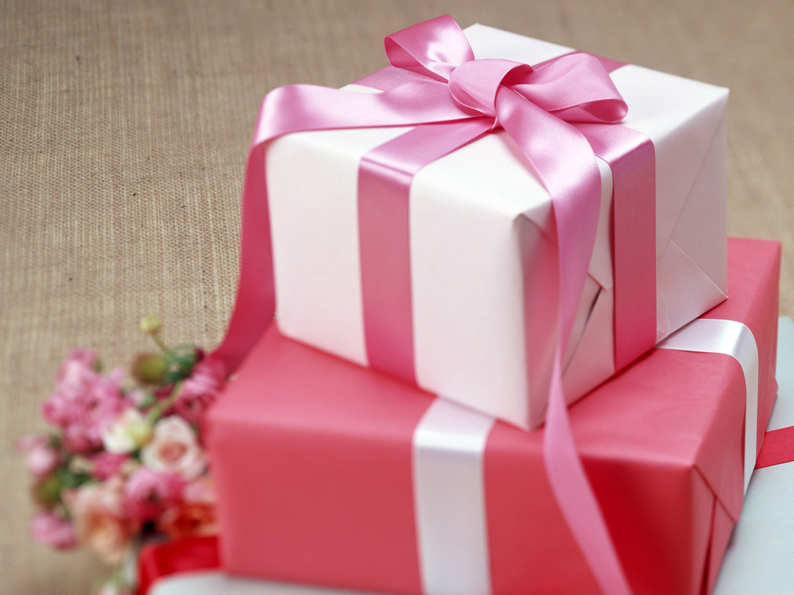 Поздравления ко дню рождения про подарок