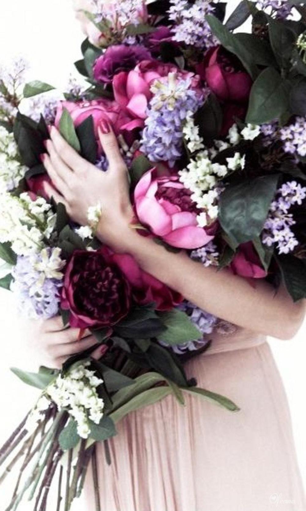 Фото охапка цветов