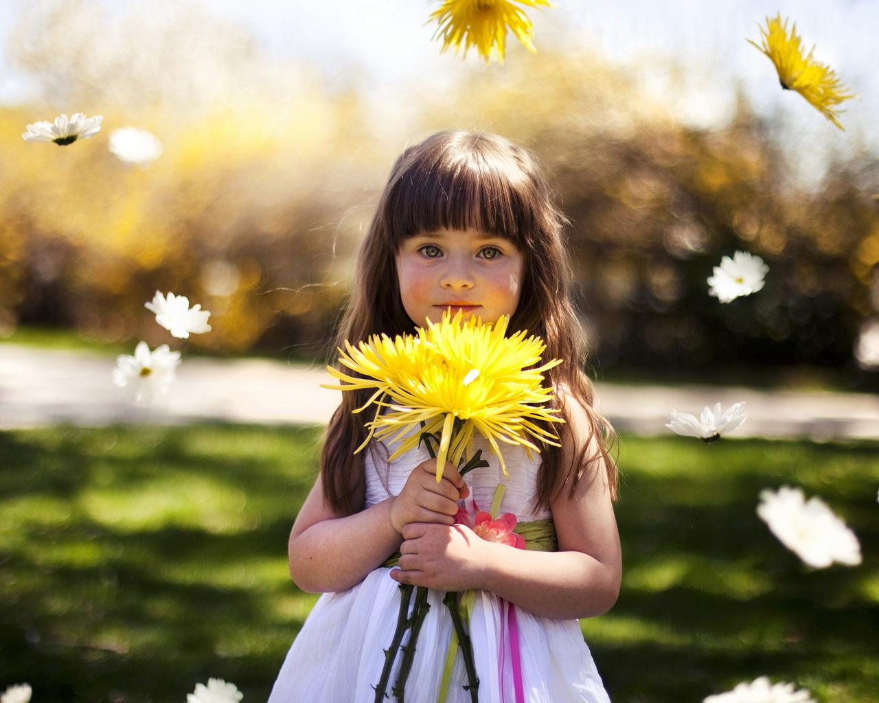 Картинки-девочка с цветами