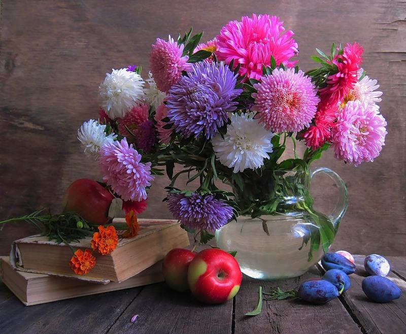Букет цветов астры